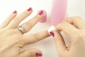 cómo quitar esmalte permanente