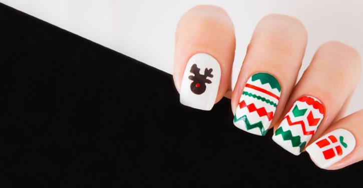 esmaltado de uñas navideñas